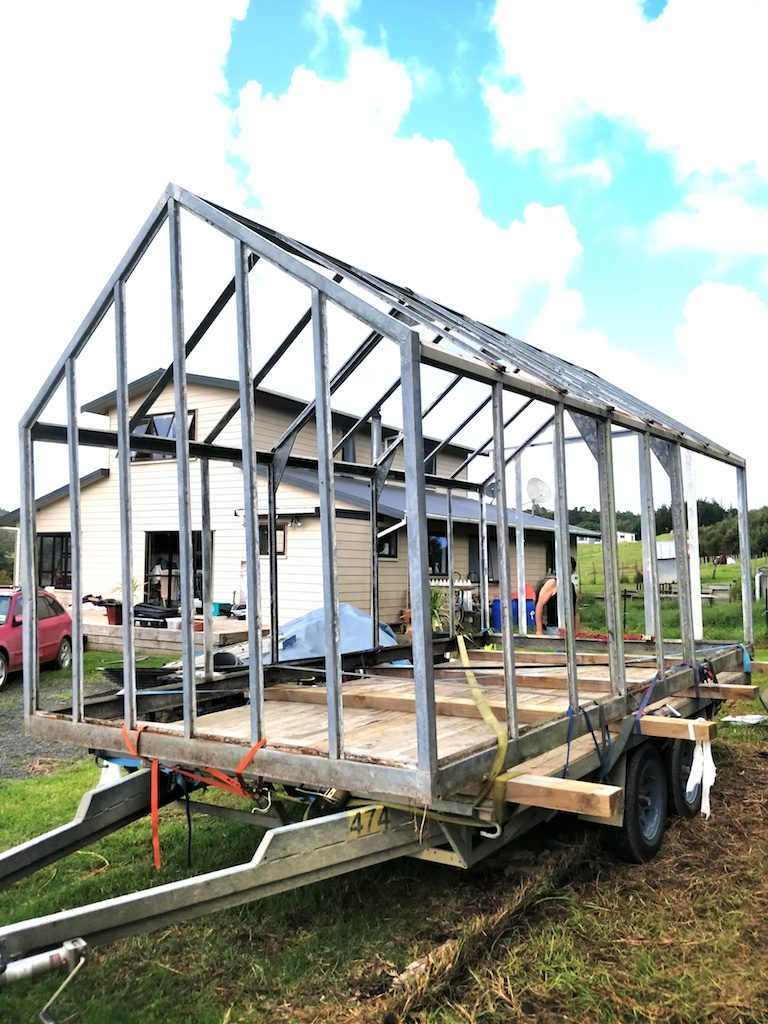 Lifting the greenhouse frame